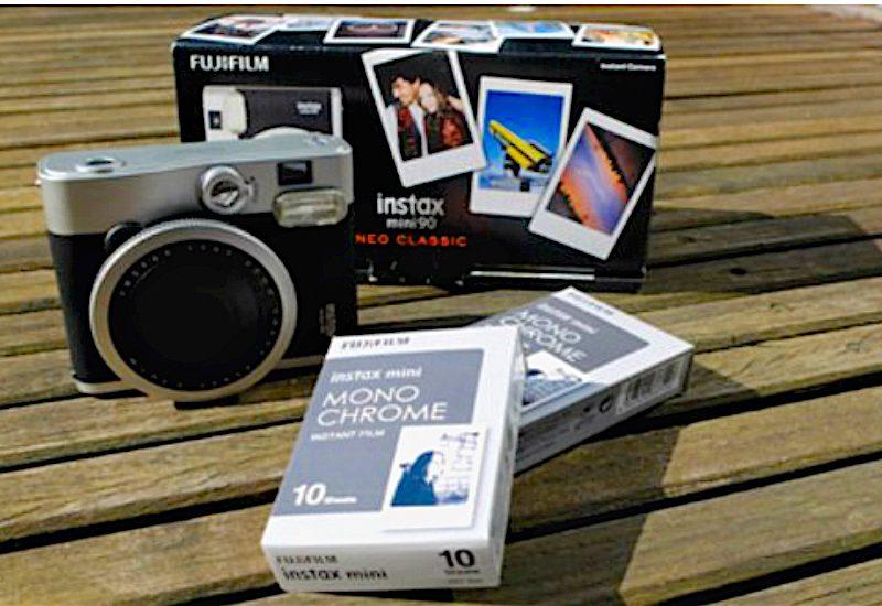 Instax mini monochrome la nuova pellicola Fujifilm in bianco e nero!