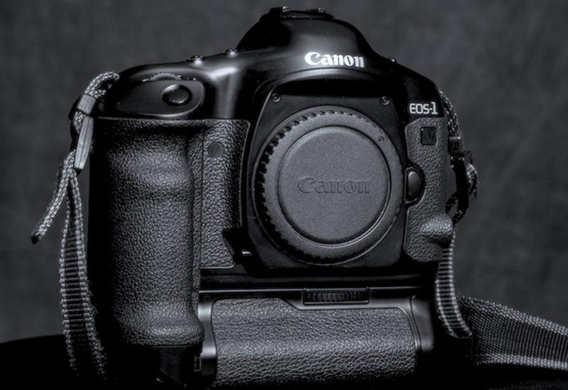 Canon elimina definitivamente dal listino l'ultima macchina analogica, la fotografia in pellicola è morta?