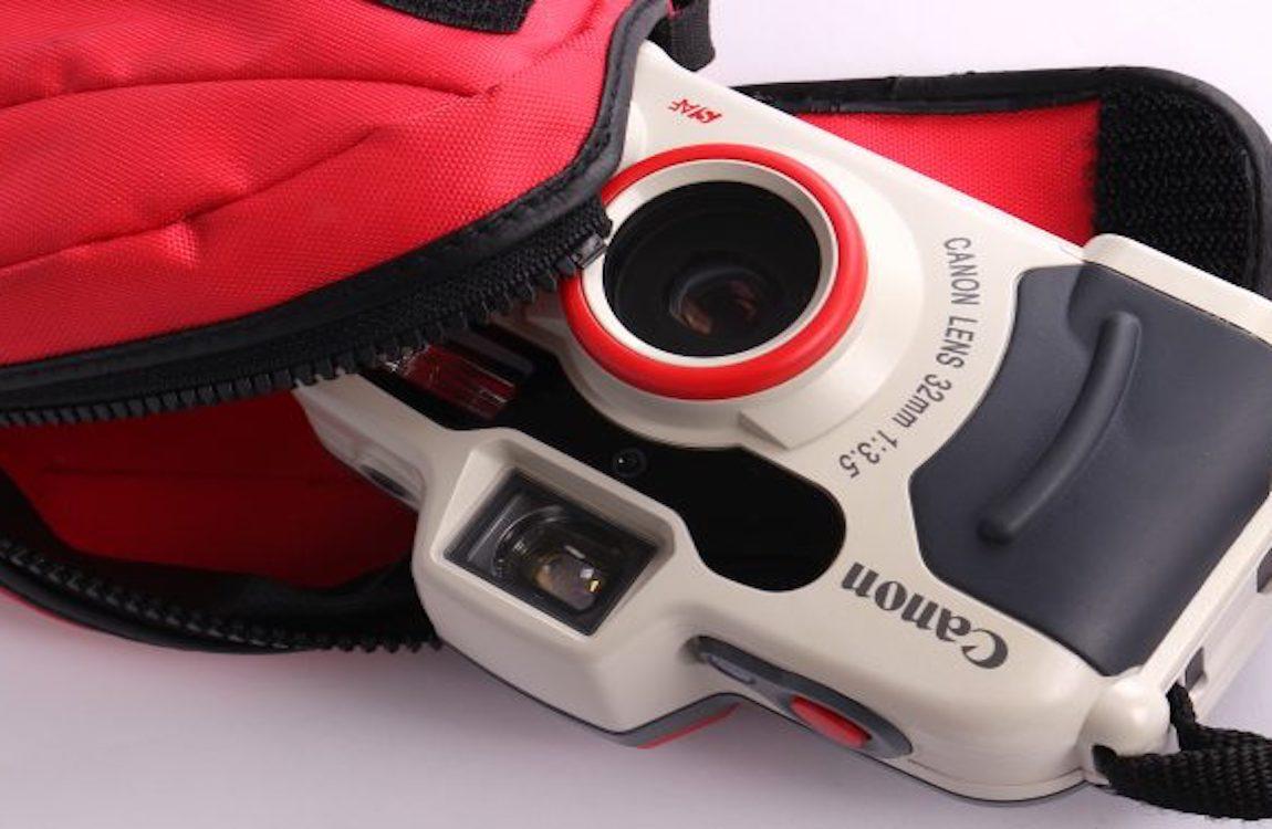 Canon Sure Shot A1, la piccola, grande fotocamera analogica e subacquea
