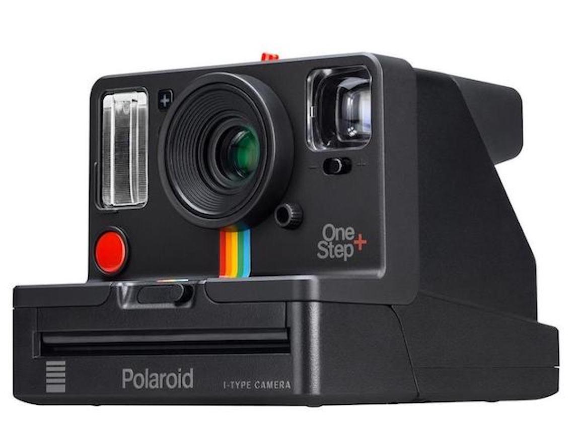 OneStep plus: Polaroid, presentata la nuova edizione della famosa fotocamera istantanea